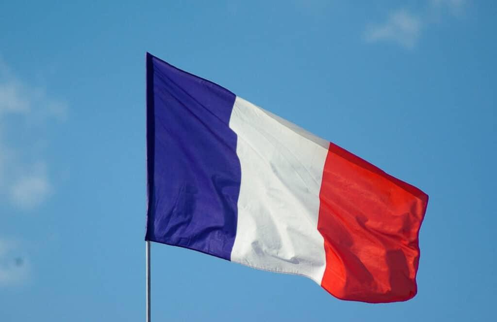 למה לא אצלנו? ירידה של מיליון מעשנים תוך שנה בצרפת
