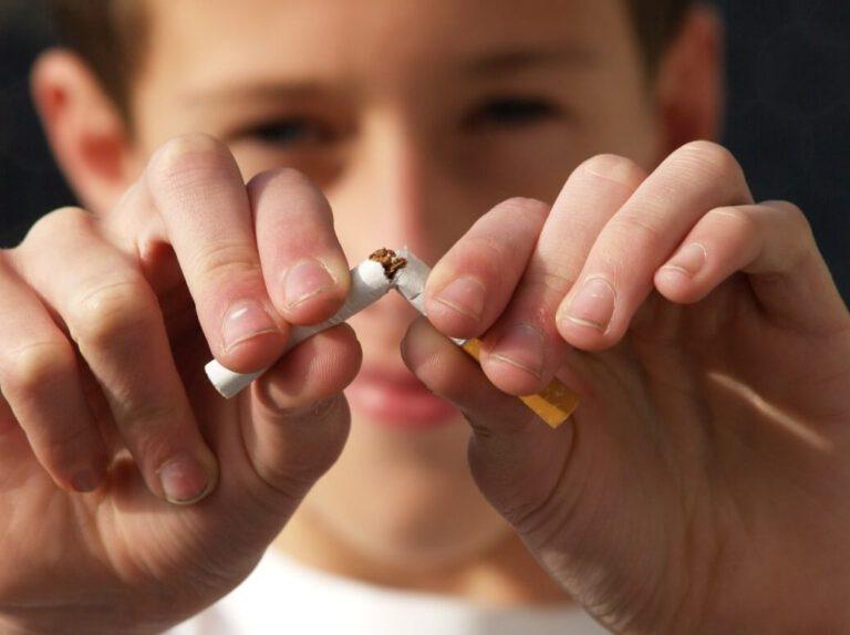 מדינת ישראל לא עוסקת במניעת חשיפה של בני הנוער לעישון