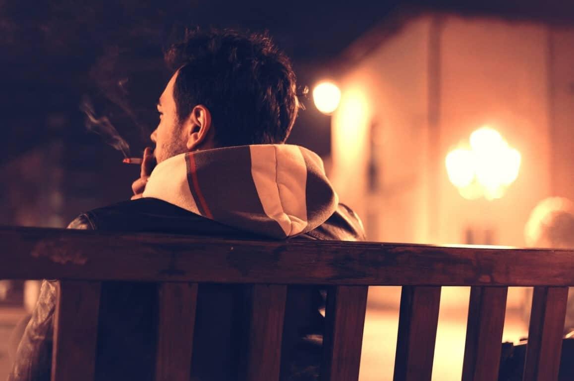 עתירה לחייב את כחלון להשוות את המס על טבק לגלגול למס על סיגריות